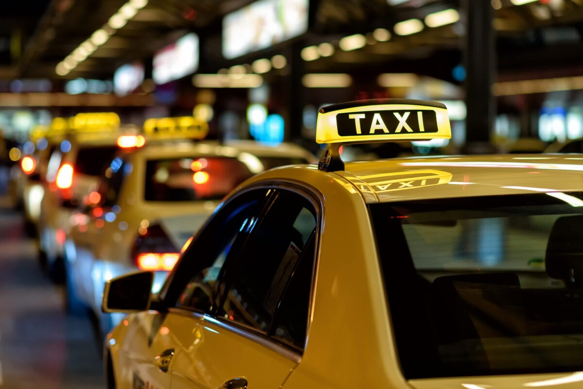 Как выбрать такси по отзывам в Крыму?